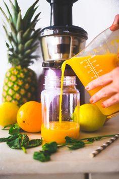 Jus d'orange, ananas, citron et menthe.   Natacha Birds