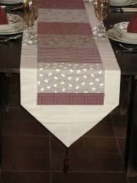 Risultati immagini per caminos de mesa modernos Dining Table Cloth, Table Runner And Placemats, Quilted Table Runners, Tablerunners, Handmade Books, Mug Rugs, Table Toppers, Decoration, Diy Home Decor