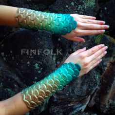 See more about Mermaid scales, Mermaids and Aqua. Mermaid Diy, Mermaid Crown, Mermaid Tale, Mermaid Makeup, Halloween Motto, Costume Halloween, Pirate Costumes, Couple Halloween, Adult Costumes