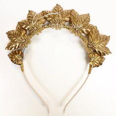 Crown by viktoria Novak
