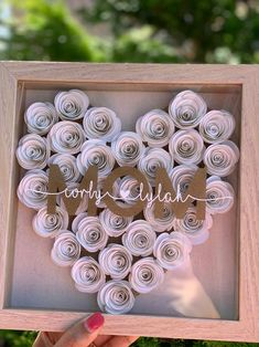Your place to buy and sell all things handmade Flower Shadow Box, Flower Box Gift, Diy Shadow Box, Shadow Box Frames, Flower Boxes, Paper Flower Art, Paper Flowers Craft, Flower Crafts, Diy Flowers