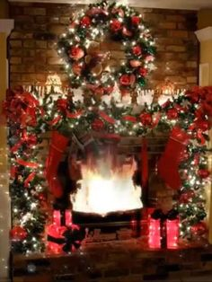Traditional Christmas Fireplace Decor with Christmas Lights - 13 Wintry Christmas Fireplace Decorations to Celebrate The Beauty of The Season Rustic Christmas, Christmas Home, Christmas Lights, Christmas Wreaths, Christmas Decorations, Victorian Christmas, Pink Christmas, Vintage Christmas, Christmas Ornaments