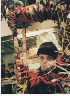 Judy at Work born with Down Syndrome, Textile artist Judith Scott: Uncovering innate talent. Down Syndrom, Textile Sculpture, Art Brut, Thread Art, Naive Art, Visionary Art, Outsider Art, Textile Artists, Art Studios