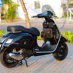 Vespa 300, New Vespa, Motor Scooters, Vespa Scooters, Tmax Yamaha, Vespa Roller, Scooter Custom, Vespa Girl, Scrambler Motorcycle
