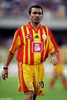 http://www.resimlerx.com/galeri/Galatasaray_Resimleri/george_hagi.jpgからの画像