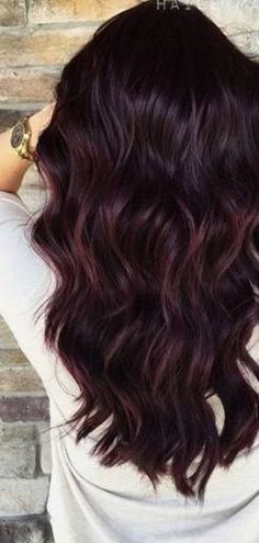 Trending Fall Hair Color Ideas The Effective Pictures We Offer You About dark hair style Winter Hairstyles, Cool Hairstyles, Hairstyle Ideas, Hair Color Ideas For Brunettes Balayage, Hair Color Dark, Colour Red, Dark Red Hair Burgundy, Dark Fall Hair Colors, Burgundy Balayage