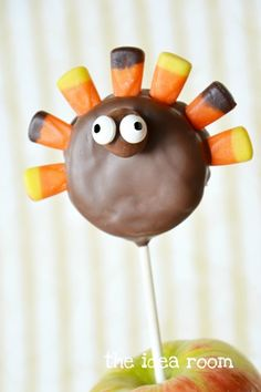 this reminds me of our monkey cakepops haha eli and meg.... but if we did this in fall and this is what we would get