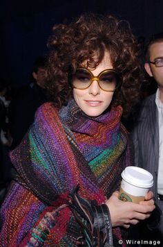 Google Image Result for http://celebritywonder.ugo.com/picture/Parker_Posey/ParkerPosey_Kambouris_4318709.jpg