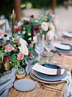 Copper and Wood Organic Table Decor | Brushfire Photography | http://heyweddinglady.com/earthy-glam-style-desert-chic-wedding/