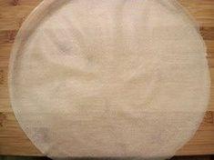 """Réaliser des """"cercles"""" de feuille de brick... en images - Le Sot L'y Laisse Brick Pastry, Bricks, Images, Blog, Soccer Cake, Wrap Around, Food Design, Circles, Wraps"""