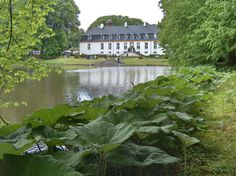 glorup-slot og gods 13 km. syd fra Nyborg