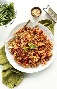 AMAZING 6 Ingredient Sun-Dried Tomato PESTO Pasta! 6 ingredients, 20 minutes, SO delicious and healthy! #vegan #glutenfree