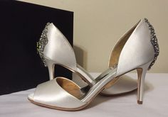 cfd2fdd6df0a Badgley Mischka Maxine White Satin Women s Dressy Evening Heels Pumps Size  8 M  BadgleyMischka