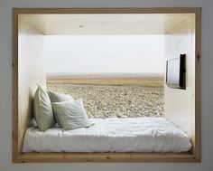 // window bed