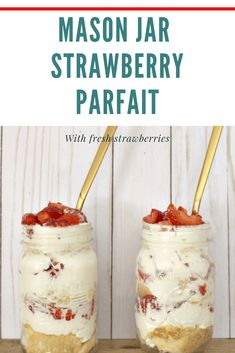 This easy, but delicious, no bake strawberry cheesecake parfaits recipe is served in mason jars so each person can have their own treat! It's a great make ahead of time dessert for summer or anytime you have fresh strawberries! Single Serve Desserts, No Cook Desserts, Summer Desserts, Easy Desserts, Delicious Desserts, Dessert Recipes, Jar Recipes, Picnic Recipes, Picnic Ideas