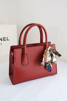 Fashion Twill Mini Silk Scarf for Hairband Bag Handbag Handle Decoration DIY Scarf On Bag, Diy Scarf, Moda Fashion, Diy Fashion, Fashion Bags, Bandana, Classy And Fab, Look Festival, Mode Kpop
