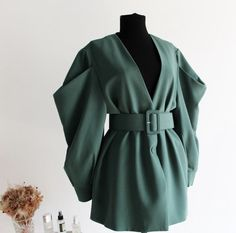 Edgy Outfits, Winter Fashion Outfits, Classy Outfits, Jackets For Women, Clothes For Women, Dress Coats For Women, Women's Jackets, Fall Jackets, Casual Clothes