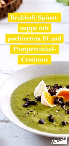 Eat your Greens – mit dieser nahrhaften Brokkoli-Spinatsuppe ist das einfach. 🥦Das pochierte Ei versorgt euch mit Proteinen und trägt zusammen mit den Pumpernickel-Croutons zu einer guten Sättigung bei. 🥣   #almased #gesundessen #abnehmen2020 #suppenliebe #brokkoli
