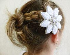 flor-para-noiva-bordada-perolas-e-strass