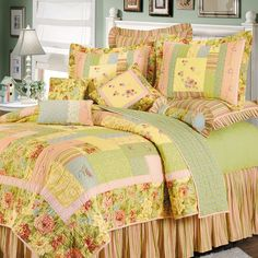 Quilt Bedding, Linen Bedding, Bed Linens, Country Bedding Sets, Baby Clothes Quilt, Pretty Bedroom, Shabby Chic Bedrooms, Bedroom Bed, Bedroom Ideas