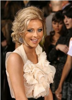 julianne hough hair updos - love the front of this 'do, I'm curious what the back looked like