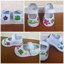 zapatillas pintadas bebe - Buscar con Google Painted Canvas Shoes, Painted Jeans, Hand Painted Shoes, Baby Girl Shoes, Girls Shoes, Recycled Shoes, Sharpie Projects, Shoe Crafts, Fabric Painting