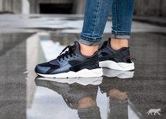 Nike Wmns Air Huarache Run SE (Metallic Hematite / Black - Dark Grey)