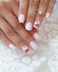 Your short nail deserves some amazing nail art design and Color. So, regarding that, we have gathered some lovely Floral Nail Art for Short Nail suggestions only for you. Cute Nails, Pretty Nails, Hair And Nails, My Nails, American Nails, Floral Nail Art, Halloween Nail Art, Flower Nails, French Nails