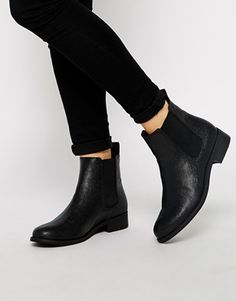 Monki Selina Black Stingray Chelsea Boots - Black stingray
