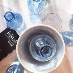 The winners take it all - wir gratulieren Österreichs Top-Gastronomen & freuen uns über Top-Partnerschaften #falstaff #falstaffgala #vöslauer #vöslauerdabei #gastronomie Falstaff, Events, Tableware, Fine Dining, Dinnerware, Tablewares, Dishes, Place Settings