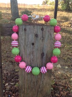 Pink chunky necklace, bubble gum bead necklace, girls necklace, pink and green, bubblegum bead, chunky necklace, kids necklace by SweetTennesseeGirls on Etsy https://www.etsy.com/listing/493958007/pink-chunky-necklace-bubble-gum-bead