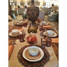 Such a fun Thanksgiving setting!