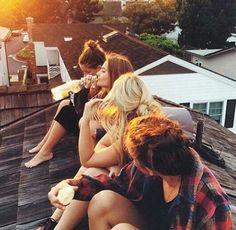 Image via We Heart It #cool #friends #girls #grunge #love #summer #teenager #tumblr