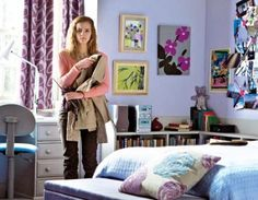 Harry Potter and the Deathly Hallows part 1: Hermione has to say goodbye to her home and parents to go searching for horcruxes with Harry and Ron (can't help noticing how cute her room decor is!)