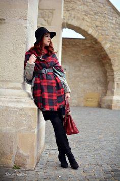 The blanket scarf  #blanket #scarf #looks #fashion #hat #warm