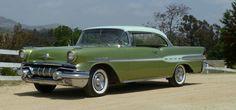 1957 Pontiac Star Chief Custom Two Door Catalina #PONTIAC #AMERICANCARS #CLASSICARS