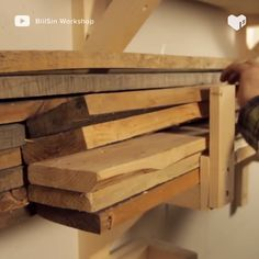 Amazing DIY pallet wall with LED lighting furniture couch furniture table furniture bedroom Diy Furniture Videos, Diy Furniture Couch, Diy Pallet Furniture, Furniture Projects, Furniture Plans, Furniture Design, Art Furniture, Garden Furniture, Outdoor Furniture