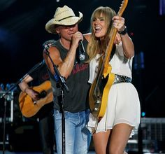 "Grace Potter and Kenny Chesney perform ""You and Tequilla"" at Nashville's Ryman Auditorium"