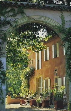 Provence home, Mediterranean style | Maisons Côté Sud