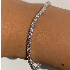 Love wearing this Round Diamond Tennis Bracelet to elevate my everyday looks.✨What is the one accessory you use to give an extra oomph to your looks ? Dainty Bracelets, Diamond Bracelets, Bangle Bracelets, Ankle Bracelets Gold, Cute Jewelry, Jewelry Accessories, Jewelry For Men, Men's Jewelry, Bridesmaid Jewelry