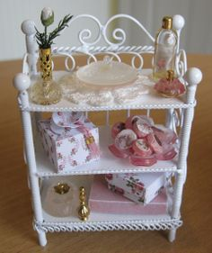 Shabby Doll House | They will be my inspiration for the decoration of Magpies & Jenny Wren ...