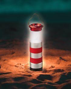 Serile petrecute pe nisipul fin, sub cerul instelat, alintat de briza marina sunt o reverie pentru suflet.  In campaniile de promovare estivale, ofera clientilor tai o #lanterna #promotionala sub forma de far care sa ii duca cu gandul la o vacanta relaxanta la #mare.  #lighthouse #promotionalepentruvara #marketing #promovare #personalizare #lamare #marketingcampaign #vara Logo Nasa, Water Bottle, Flashlight, Pools, Water Flask, Water Bottles