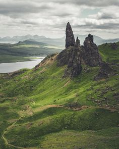 Old Man of Storr, Isle of Skye, Scotland [OC] [1600 x 2000]