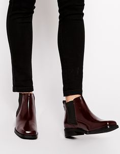 Buy ASOS AMSTERDAM Leather Chelsea Boots at ASOS. Get the latest trends with ASOS now. Botas Chelsea, Chelsea Ankle Boots, Leather Chelsea Boots, Leather Boots, Asos Boots, Mein Style, Rocker, Sport Chic, Me Too Shoes