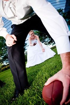 Bridal Party Photo Shoot - Football poses... Cuteness. And totally our family. Great idea... Love love love.