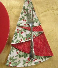 Christmas Tree Cloth Napkins,Red Berries,Red Fabric,Metallic Gold