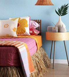 This is awesome!!  It would be like a little Tiki party in your bedroom every night!  I don't think this would work in the master bedroom, but for a girls room or a guest bedroom in a beach cottage it would be fabulous!