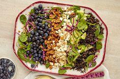Hot Spinach Salad with Honey-Dijon Dressing Recipe - Kraft Canada Spinach Salad Recipes, Avocado Recipes, Potato Recipes, Kraft Recipes, Cooking Wild Rice, What's Cooking, Cooking Recipes, Power Salat, Salads