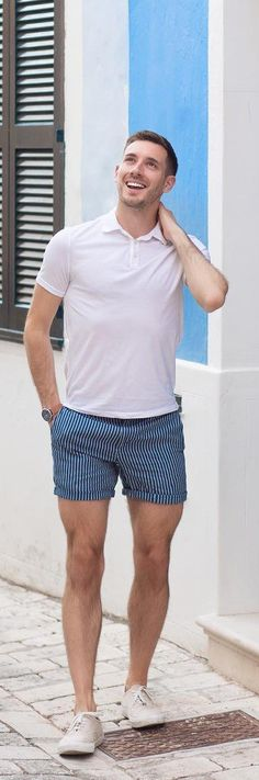 Cool Shorts Outfit Ideas For Men This Season Polo T-shirt With Stripped Shorts For MenThis This may refer to: Preppy Outfits, Short Outfits, Summer Outfits, Summer Shorts, Mens Fashion Blog, Suit Fashion, Fashion Photo, Fashion Ideas, Denim Shorts Outfit