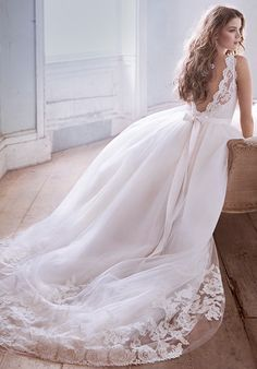 Jim Hjelm Wedding Dress